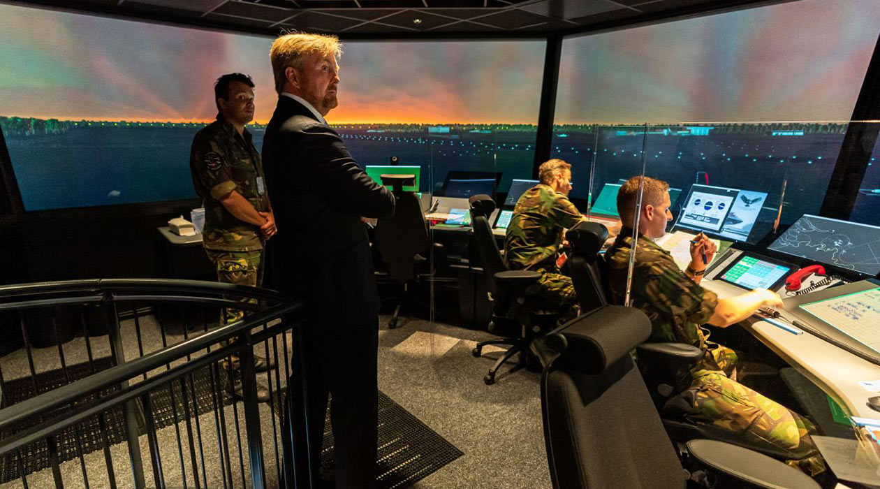 His Majesty King Willem-Alexander touring the new educational facilities at the Polaris radar and training centre.