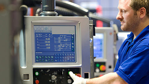 Monitor solutions tailored to automation technology