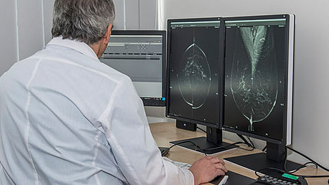 Prof. MUDr. Jan Daneš uses the EIZO RadiForce monitors