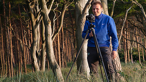 Timm Allrich photographing nature